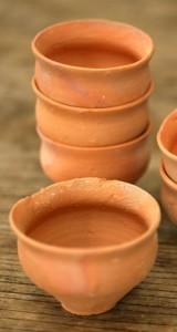 Чашечки из необожженной глины